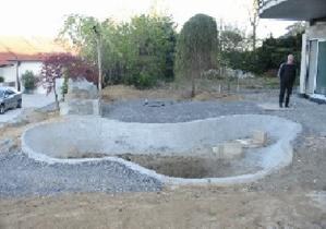 Gartenteich bauen aus beton for Gemauerter gartenteich